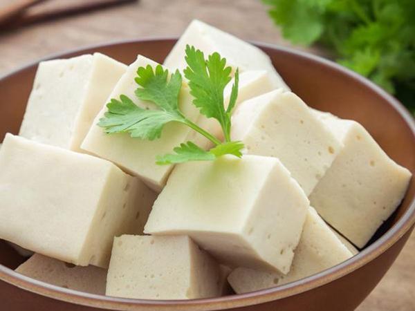 """Không chỉ sữa, đây là những thực phẩm """"rẻ tiền"""" giàu canxi giúp xương chắc khỏe ít ngờ đến"""
